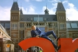 Holandsko je prý podle průvodce ve videu jen zdánlivě chladnou zemí.